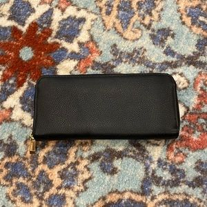 Brand-less Black Wallet